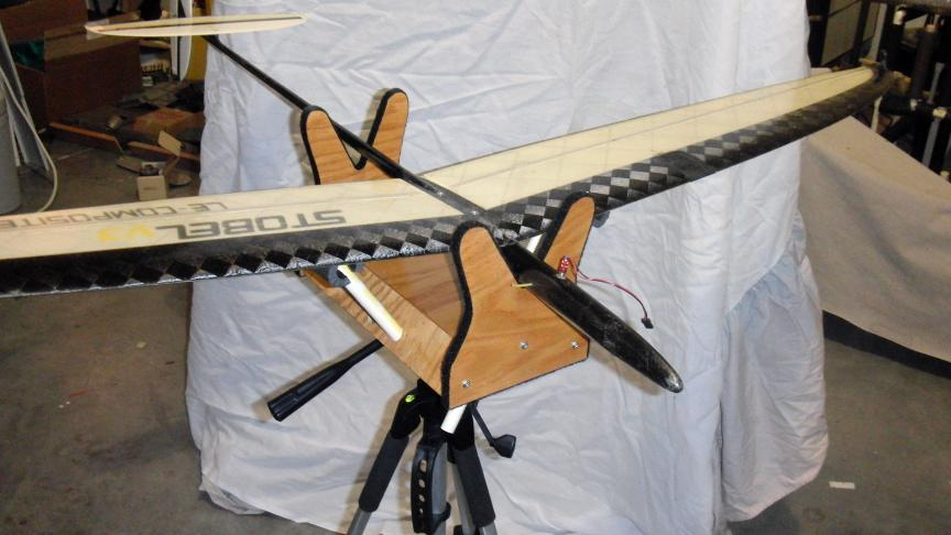 small plane stand4